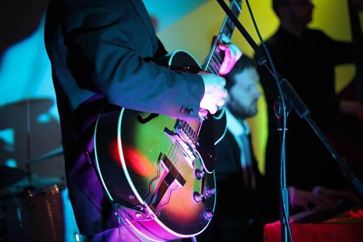 Gavin Lazarus Guitar